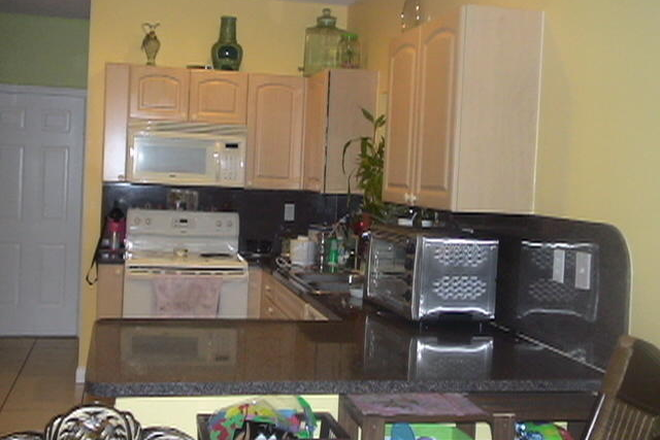 Kitchen - AMERICAN HARBOR, $500 PER MONTH AND ONLY $200 SECURITY DEPOSIT Rental
