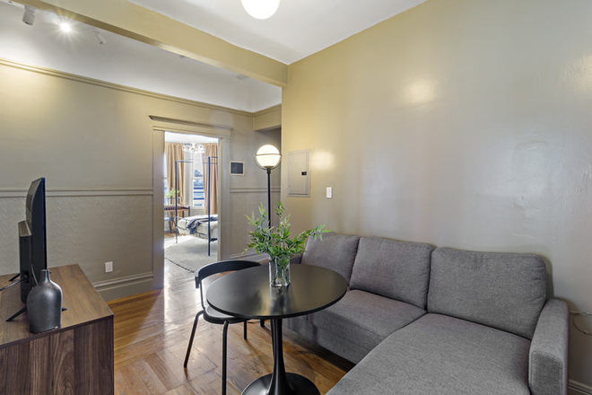 Living room - Stunning Furnished Room for Rent in Renovated Mission Apartment  #343 E