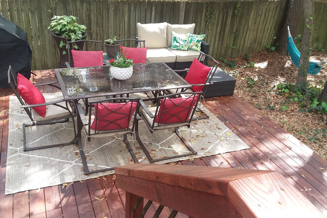 deck with grill - Large furnished bedroom.  5 mins from MUSC. Utilities, WIFI included. Rental