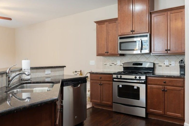 open kitchen - Private room and bath, $500, bills included Townhome