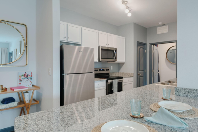 Fully Furnished Kitchen - Bellamy Daytona Rental