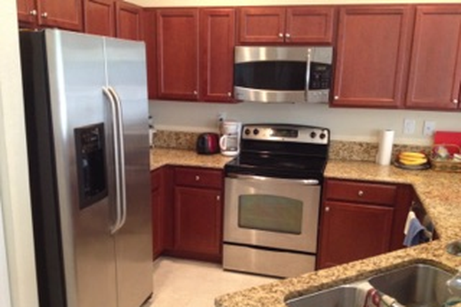 kitchen - ROOM FOR RENT IN TOWNHOME  - FIU-UNIV MIAMI