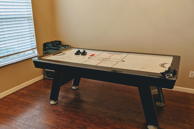 Game room - Rosemead Cove, Bridgewater, close to Waterford Lakes, E. Colonial Drv, 10 minutes to UCF Main Campus Rental
