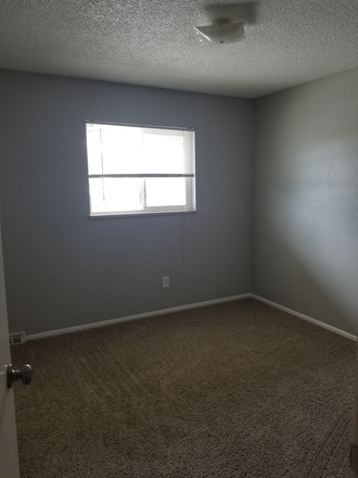 Third bedroom - Spacious townhome with close light rail access