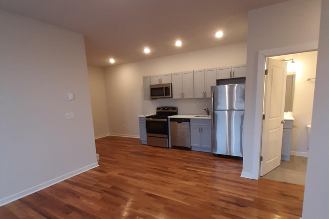 Open Livin - 4300 Chestnut Street: Renovated 1, 2, and 3 Bedroom Apartments Close to Campus. Laundry in Unit!