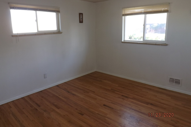 EAST BEDROOM - BEDROOMS FOR RENT NEAR ANSCHUTZ MEDICAL CAMPUS IN STUDENT'S HOUSE ON BARANMOR PKWY $760 Rental