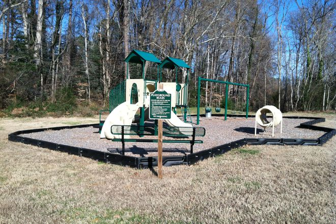 Playground - Lawson Enterprises, Inc.-Clinton Gardens Apartments