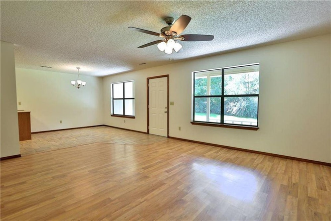 Living Room - Beautiful single family home in great location near UofA and I49. Rental