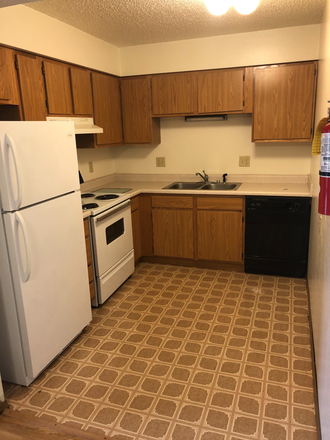 Kitchen - 21/22 Off Campus, 2 Bedroom, $1099! Apartments