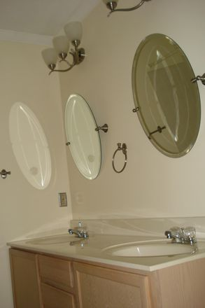 Hall bath dual vanities