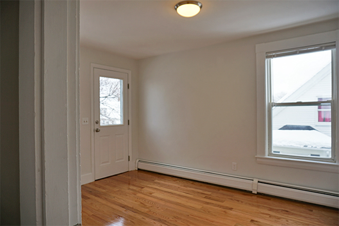 Entryway - ASH STREET - NEWLY RENOVATED 4 BED 2 BATH APARTMENT