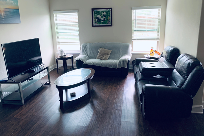 Living Room - Room in new home near campus Rental