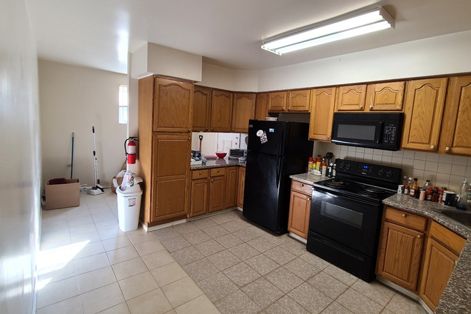 Kitchen - 4 Bedrooom/2 Full bath House for Rent*** w/ OFF-STREET parking... CALL/TXT TODAY! Rental