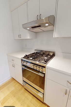 Kitchen - Greenway Village Luxury Townhomes -- Perfect for College Roommates!!