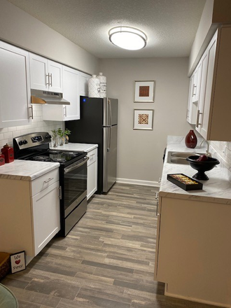 Beautiful Renovated Kitchn - Ocean Oaks Apartments where you live the difference!