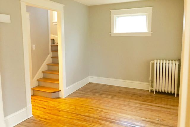 Living Room - Fully renovated 4BD 2BA house in historic part of Saint Paul Rental