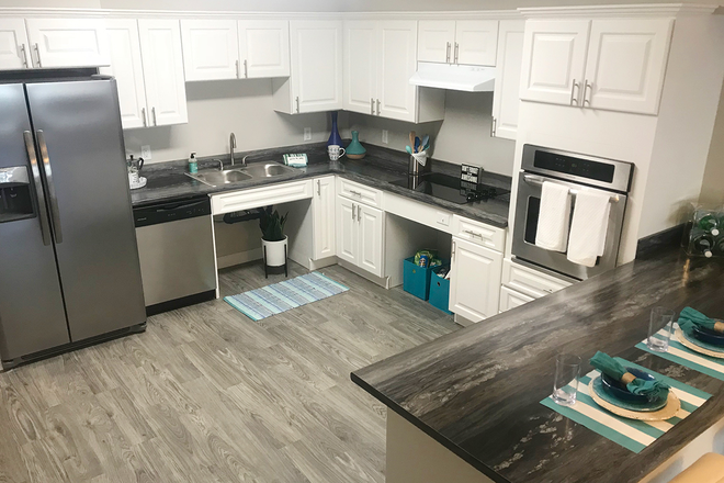Brand New 4 Bed, 4 Bath Kitchen