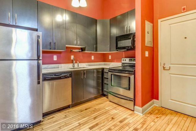 Kitchen - Chic condo in Fells Point
