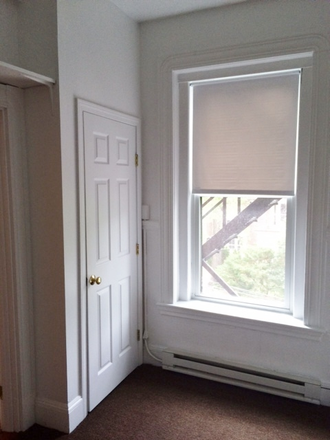 BEDROOM - NO BROKER FEE - SPACIOUS ONE BEDROOM APARTMENT AT 1077 BEACON STREET AVAIL. 7/1/2021