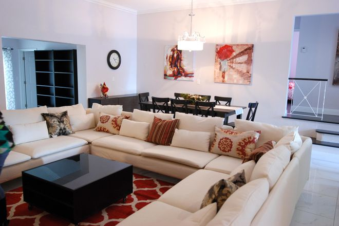 Residence-open Living Room - Student Luxury Living - Strawberry Suite Rental