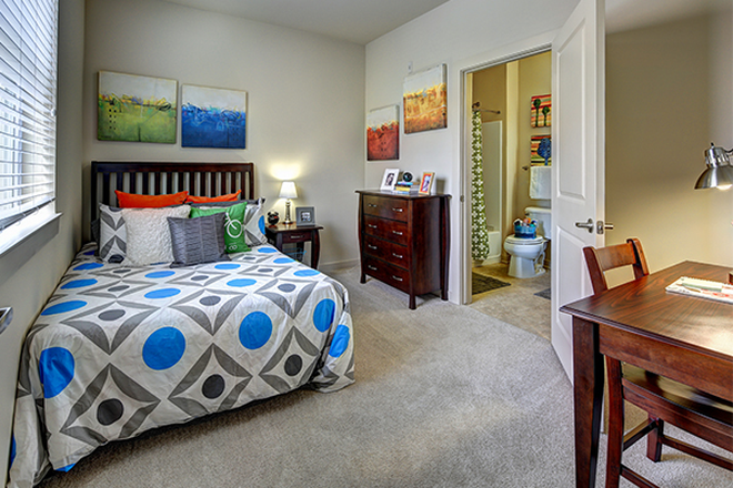 Bedroom - U Pointe Kennesaw Apartments