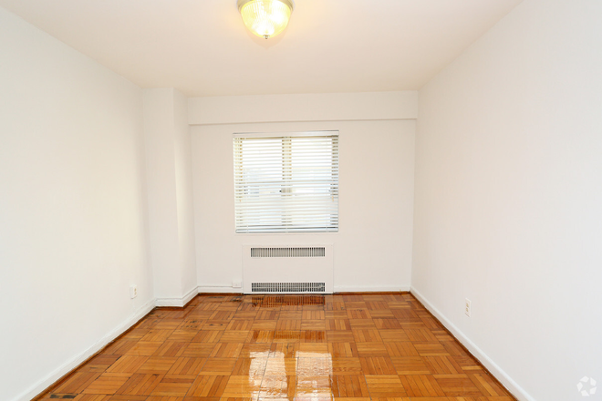 2BR, 1 BA - 982 SF - First Bedroom