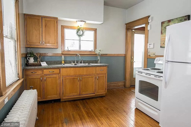 Kitchen - 3+ Bed/2 Bath Home on Grand Ave - June Move In Rental