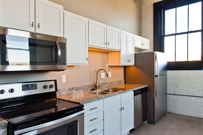Kitchen - Pershing Hill Lofts