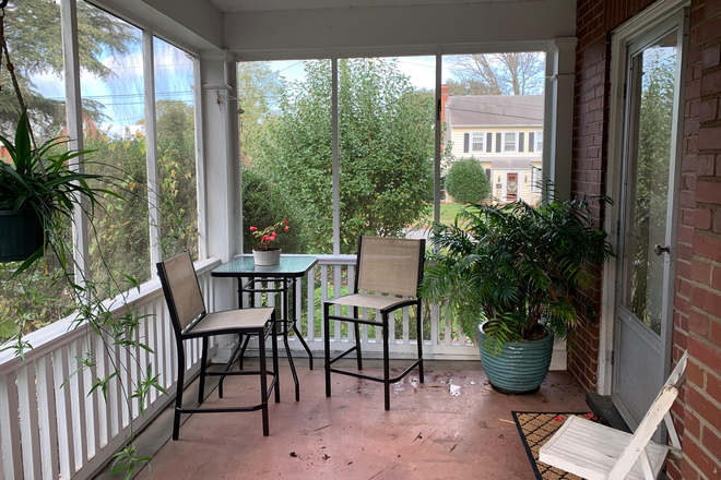 Enclosed Porch - Beautiful Home Close to LU - 2 large rooms for rent Rental