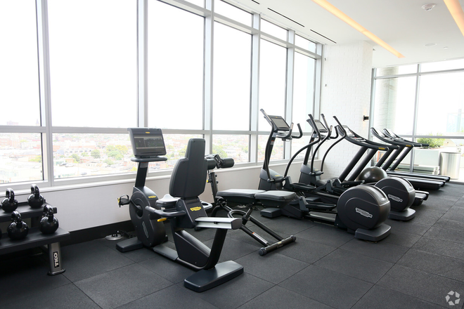 Fitness center with a panoramic view of Baltimore's skyline!