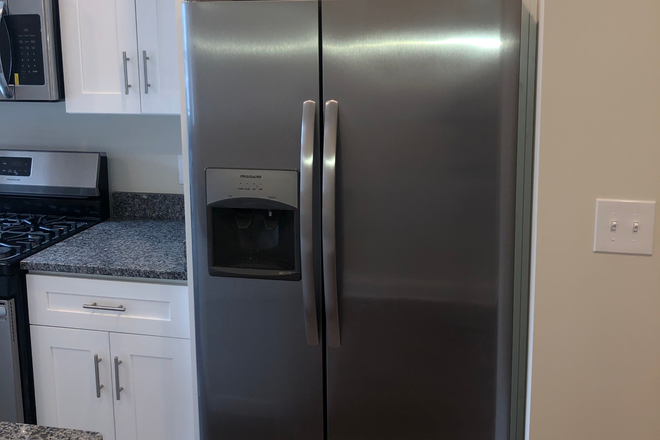 Refrigerator - NEWLY REHABBED MOVE-IN READY! 5 minute walk to John Hopkins Hospital and Schools of Medicine Rental