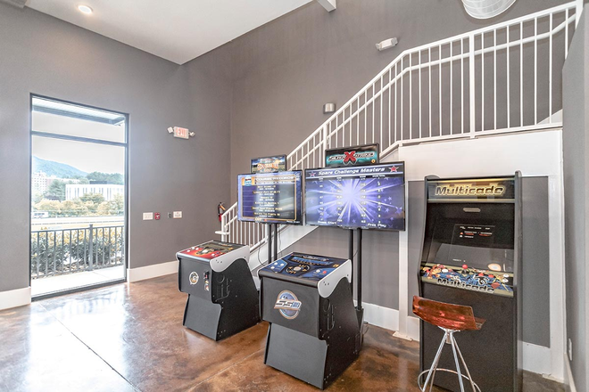 Game Room - 808 West- Closest community to Campus!!!! Apartments
