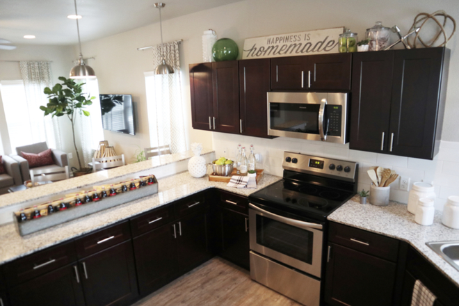 Full Kitchen - ASPEN HEIGHTS/  5 Minutes from CCU! Rental