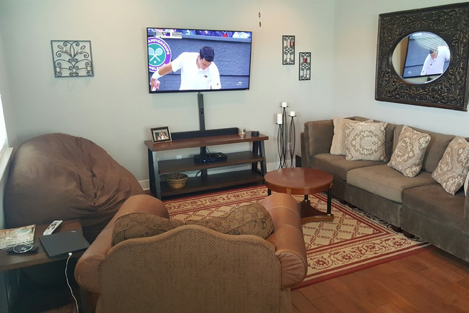 "Large Living Space w/ 65"" TV - (1 or 2 BR available) Fully Furnished Bungalow w/ Huge Bath near Campus and Baum Stadium Rental"