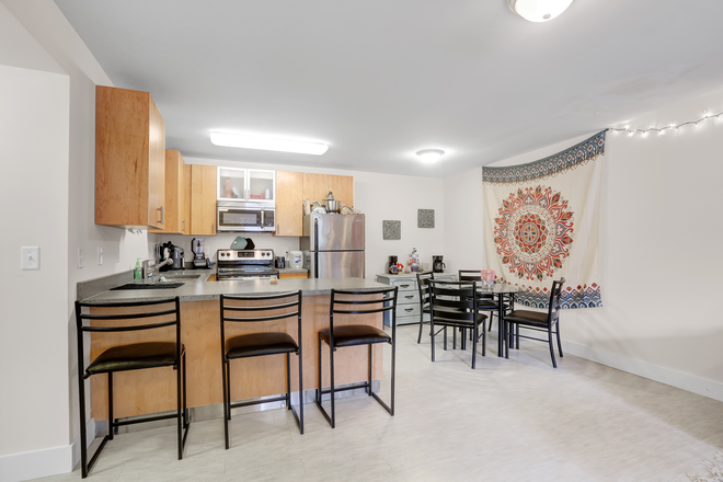 Cordova Kitchen and Dining Room - Elevation Student Living (Enclave location) Apartments
