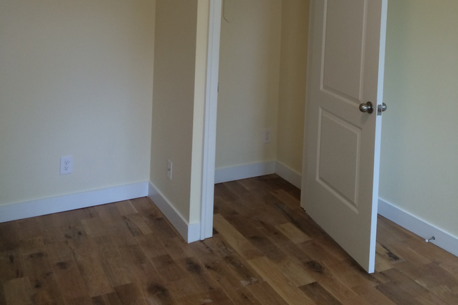 Bedroom - Room in a Brand new large 4br/2ba apt close to campus, Station North. Granite. Marble oak f
