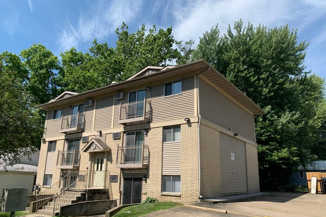 Exterior - 2 Bedroom Apartment Available for Fall 2021