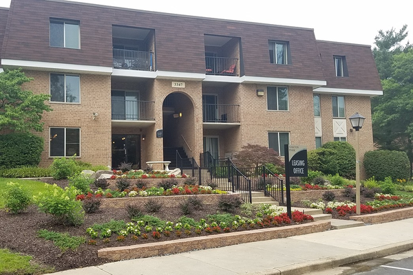 Oakton Park Apartments
