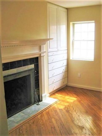 Upstairs fireplace and hardwood floors - Beautiful, Remodeled  Otterbein Rowhome $1750 Townhome