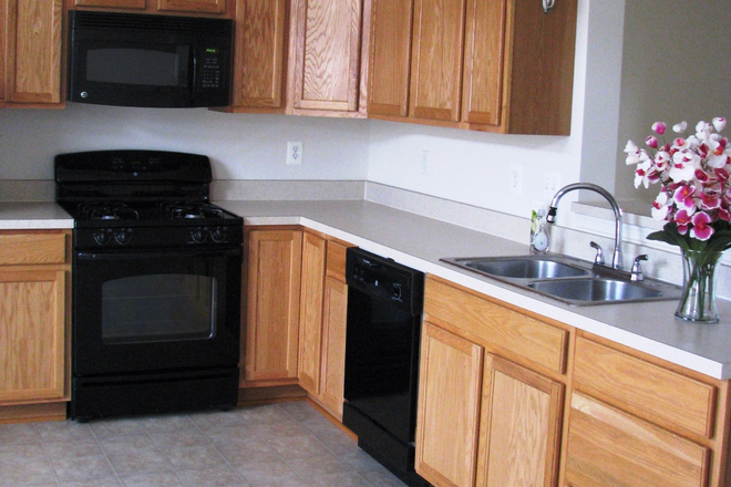 Kitchen - 3 Bedroom Townhouse Available On Pantops