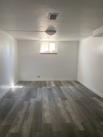 Bedroom - Remodeled 1 bedroom apartment available now