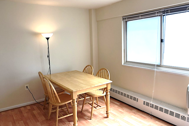 main: table - LOCATION! Large Sunny Riverview Studio near Rittenhouse Sq/University City (ALL UTILITIES INCLUDED) Condo