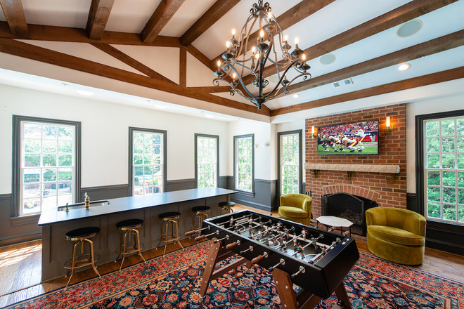 Rentable Clubroom with Wet Bar
