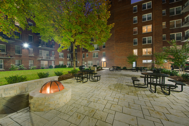 Community - Courtyard/Fire-pit