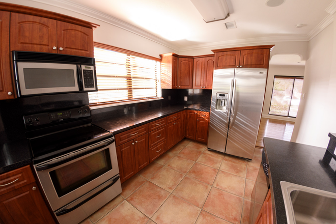 KITCHEN - MASTER BEDROOM in a 3 Bedroom HOME w/Utilities- Coral Gables Rental