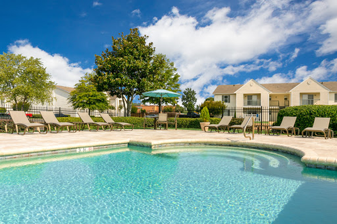 Pool - Laurel Park - Conveniently located in Flowood with a $25 monthly discount! Apartments