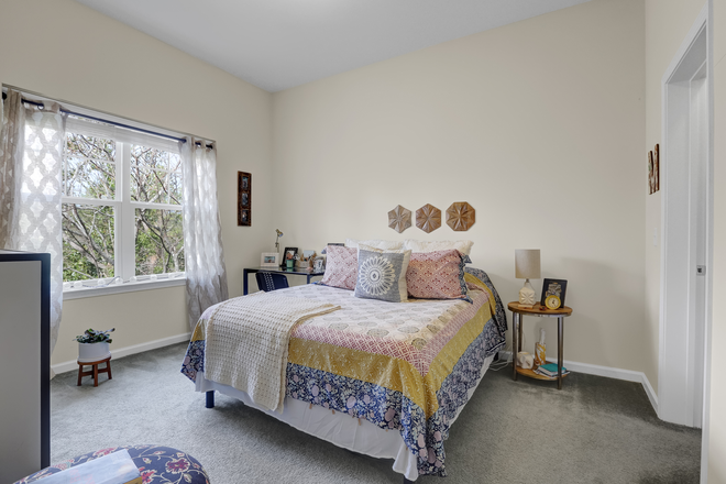 Brighton B Bedroom - Elevation Student Living Apartments