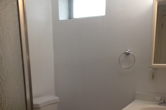 Bathroom - Studio Apartment, 1 Bath, kitchen, All utilities included, Walking Distance to TU and Towson Center.