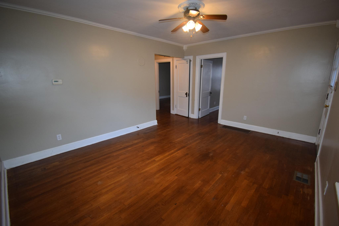 Hardwood Floors - 4 Bedroom house 1 mile from UK's campus! Rental