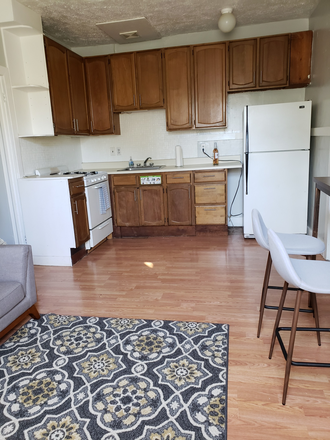Kitchen - furnished 3BR/2BA Cul-de-Sac, safe/quiet, tuckaway,  walk to park/play sports, walk to USF Apartments